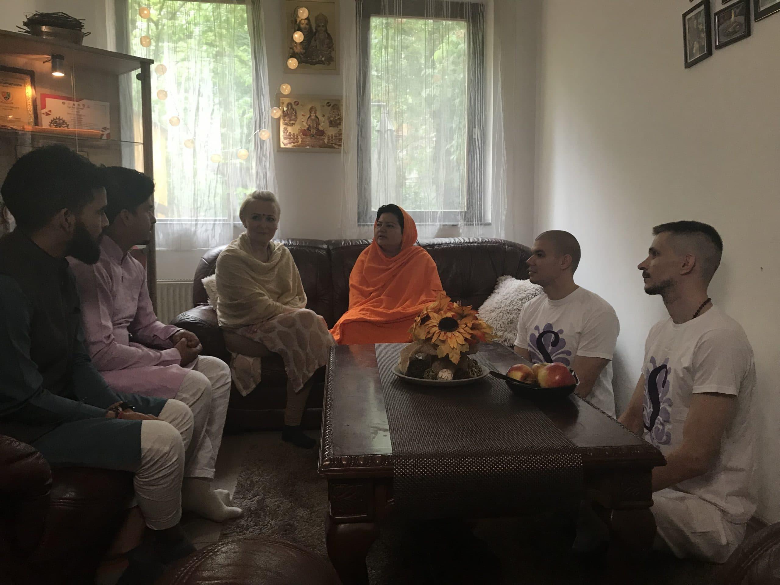 Őszentsége Sadhvi Shankaracharya Hemanand Giriji közösségünk vendége